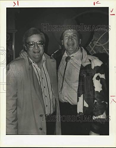 1989 Press Photo Bob Claypool and Singer Buck Owens, Rockefeller's in Houston (Singer Buck Owens)