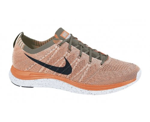 ebaab6aec21 Amazon.com  Nike Women s Wmns Flyknit One