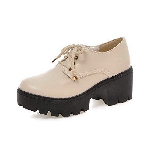 AllhqFashion Damen Rund Zehe Schnüren PU Leder Eingelegt Mittler Absatz Pumps Schuhe Cremefarben