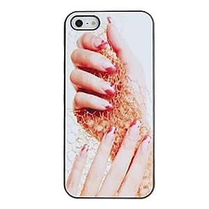 Hand Holding Invitar Caso duro del acoplamiento PC Patrón Bufanda con Negro Marco para el iPhone 5/5S