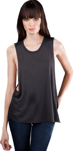 deep side cut muscle tank