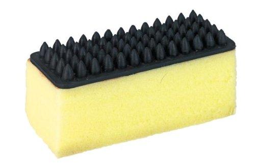 ponge-avec-picots-pour-chevaux-jaune-massage-nettoyage