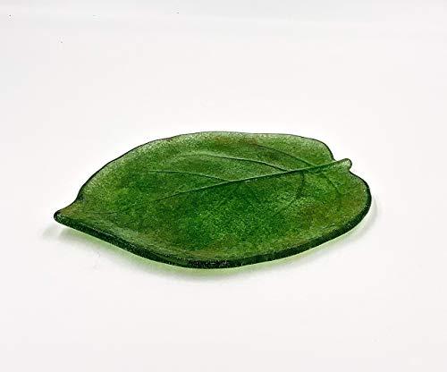 Green 7.5 Inch Kiwi Leaf Fused Glass Plate ()