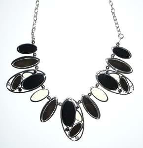 "Black & Cream Ovals Necklace 15"" Necklace"