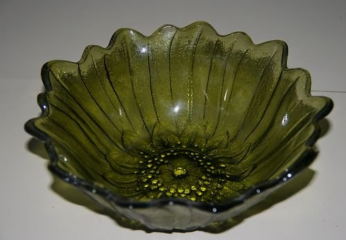 Vintage Indiana Glass Lily Pons Avacado Dark Olive Green Sunflower Shaped Bowl