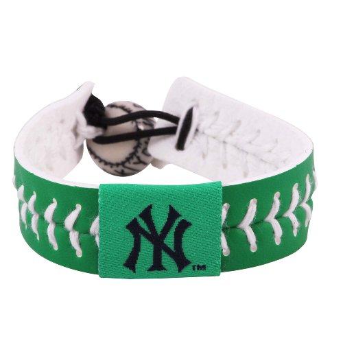 Gamewear Bracelet (GameWear 4421402670 New York Yankees St. Patricks Day Baseball Bracelet)