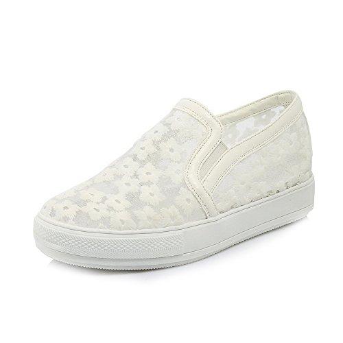 AllhqFashion Damen Ziehen auf Rund Zehe PU Leder Mittler Absatz Rein Pumps Schuhe Weiß