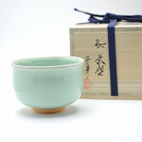 Hagi yaki Japanese ceramic. Koseiyu matcha chawan teabowl made by Yuuka Matsuo.