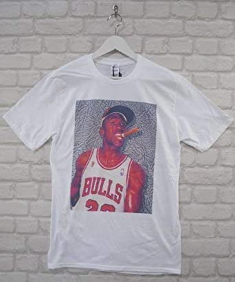 fe213d655fd0 Actual Fact Michael Jordan Cigar White Crew Neck Tee T-shirt  Amazon.co.uk   Clothing