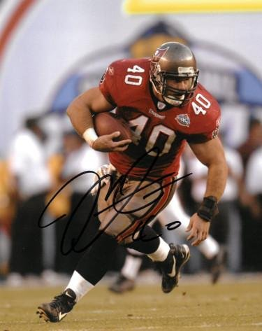 Mike Alstott Nfl - Signed Alstott Photo - 8x10#40 SB XXXVII- JSA BAS Guaranteed To Pass - PSA/DNA Certified - Autographed NFL Photos