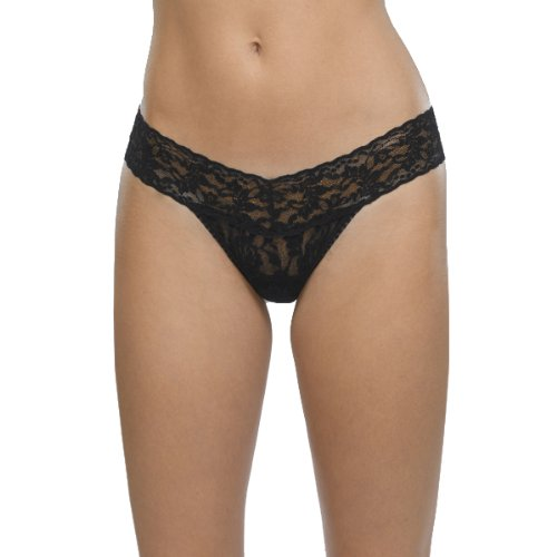 Hanky Panky Women's Petite Signature Lace Low Rise Thong, Black, One (Signature Womens Thongs)