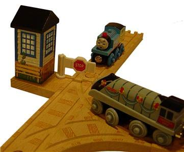 Yearbook Thomas - Learning Curve Signal Station Crossing - Thomas Wooden Railway Tank Engine Train Loose