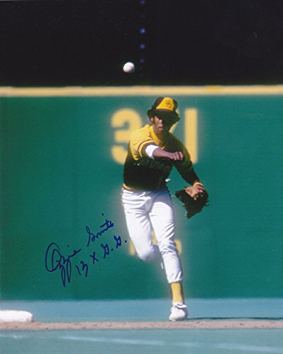 an Diego Padres 13 X Gold Glove Action Signed 8 x 10 Photo ()
