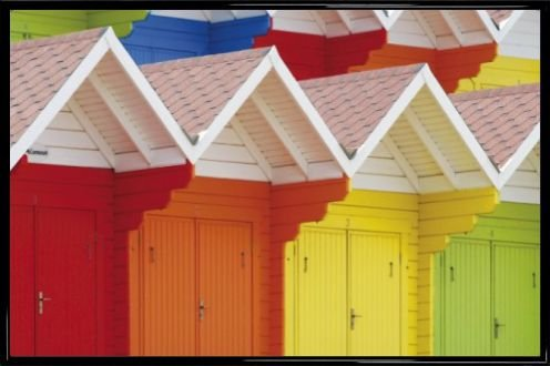 1art1 Huts Poster and Frame (Plastic) - Colourful Beach Huts in Scarborough, UK (36 x 24 ()