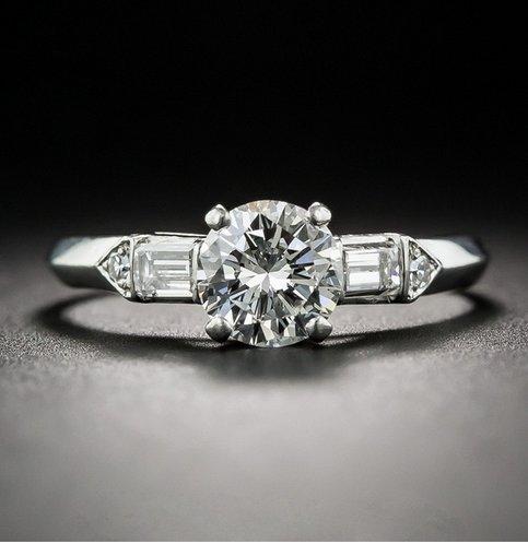 Gowe rond 0.8CT moissanites Lab Cultivées sertie d'un diamant 10K Or blanc à 4branches Baguette Accents de mariage Bague de fiançailles