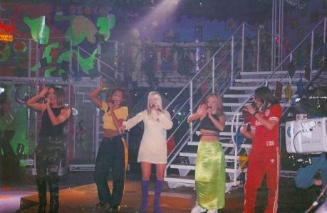 Spice Girls photo 4x6 in concert (Image #24)