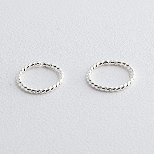 Wire Twist earring; wire earring; hand forged earring; wire earring