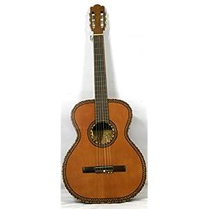 Musikalia Luthery Vintage Classic Guitar Figaro Modell mit reichhaltigen Einlagen an der Decke und dem Sounghole…