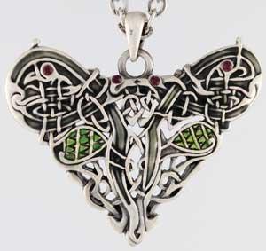 Amazon celtic celtic dragon heart necklace mozeypictures Gallery