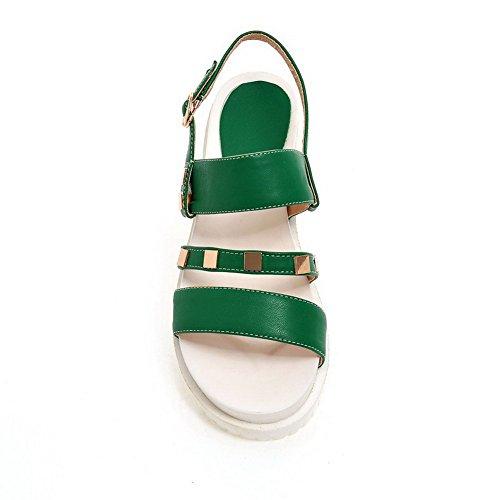 AgooLar Mujeres Hebilla Puntera Abierta Plataforma Cuero Tachonado Sandalia Verde