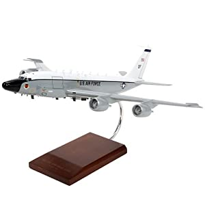 RC-135V/W Rivet Joint Engines - 1/100 scale model from ModelWorks