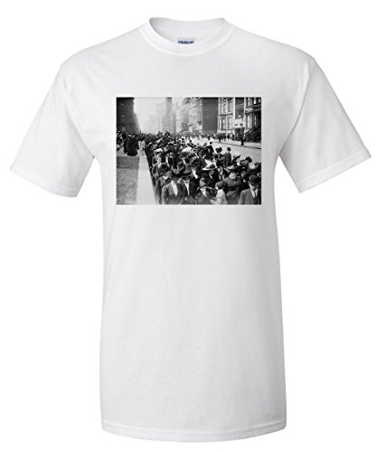 Easter Parade on Fifth Avenue of New York Photograph (White T-Shirt - 5th New York On Avenue Shops