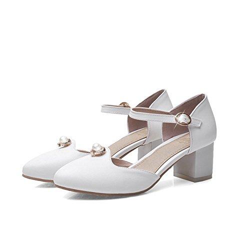 VogueZone009 Women's PU Solid Buckle Closed Pointed Toe Kitten-Heels Sandals Beige 4y17si9g