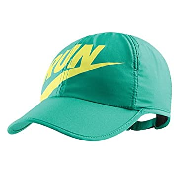 the best attitude 19343 df3b1 Nike Womens Run Swoosh Featherlight Cap Atomic Teal electric Yellow   Amazon.co.uk  Sports   Outdoors