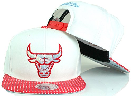 (Mitchell & Ness NBA Stars and Acid Wash Snapback Cap (One size, Chicago Bulls))