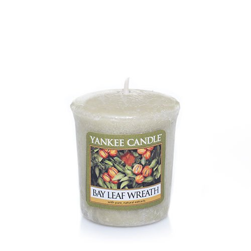 Bay Leaf Wreath Sampler Votive Candle - Yankee Candle