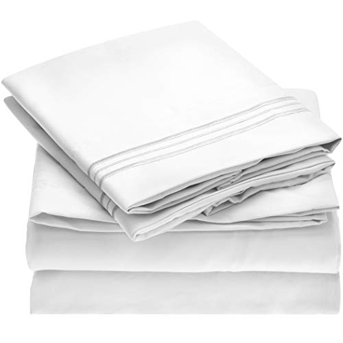 Mellanni Bed Sheet Set - Brushed Microfiber 1800 Bedding - Wrinkle, Fade, Stain Resistant - Hypoallergenic - 4 Piece (King, White) ()
