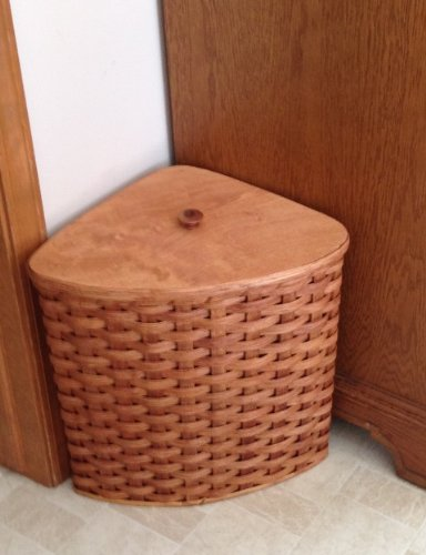 Amish Handmade Small Corner Hamper Basket w/Fitted Lid in NATURAL