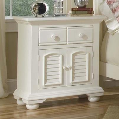Cottage Traditions 4 Drawer Lingerie Chest in Eggshell White