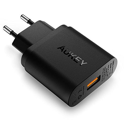 AUKEY Quick Charge 2.0 USB Ladegerät 18W mit Micro USB Kabel für Samsung Galaxy Note 7/ S7, Google Nexus 6P, HTC 10, Huawei P9 usw. (Schwarz)