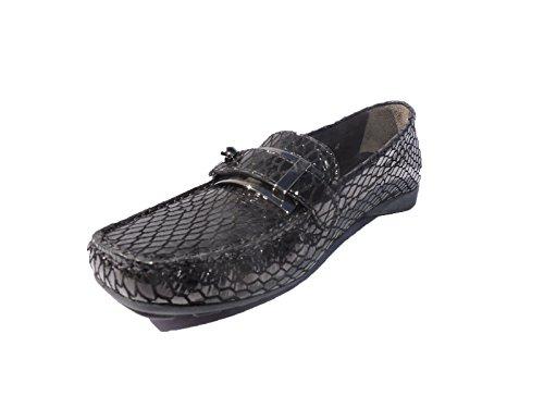 Stuart Weitzman Womens Lockmoc Snakeskin Loafers Black Flats, Shoes Size 5.5 M