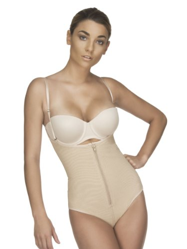 Vedette Style 152, Modeling Braless Body Shaper to Discretely Enhance the Figure