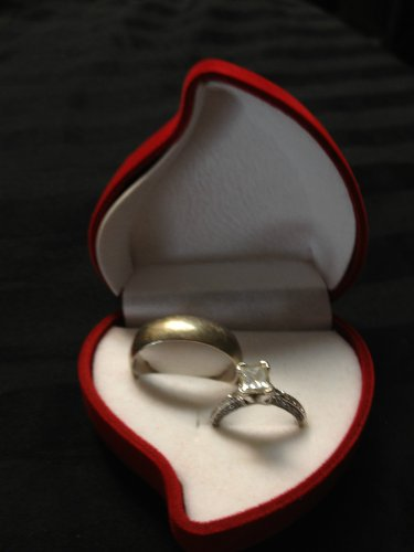 Rose ----- Romantic RED Promise Engagement Ring Heart 1 Shaped Jewelry Gift Box B3