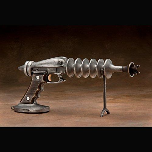 SCOTT NELLES STUDIOS Ray Gun
