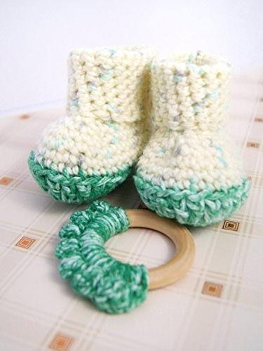 VBK Crochet New Born Baby Booties and Toy Set, Green, 0-3 months, (Born Girls Boots)