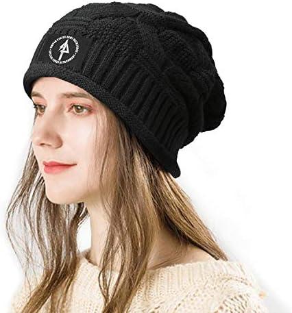 Hand knitted elegant fuzzy beanie//hat white