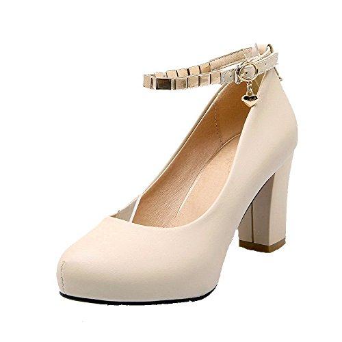 AllhqFashion Damen Weiches Material Eingelegt Schnalle Rund Zehe Pumps Schuhe Cremefarben