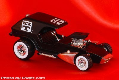 Tom Daniel's RAD RATZ 1:43 Diecast Old Skool Rat Rod - Ice 'T']()
