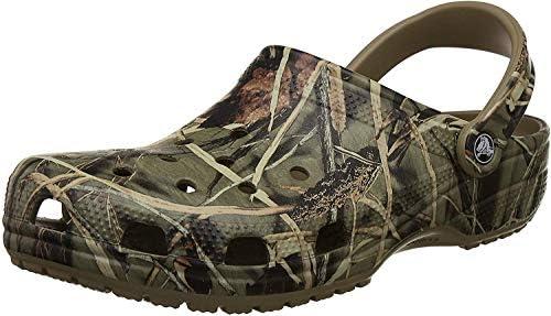 Crocs Classic Realtree Clog, Khaki, 7 M