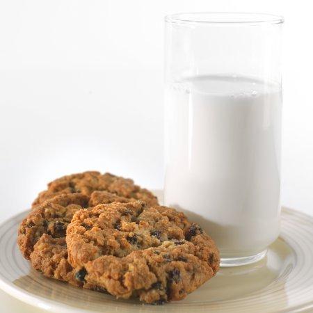 Augason Farms Morning Moo's Low Fat Milk Alternative Certified Gluten Free Emergency Bulk Food Storage 4-Gallon Pail 533 Servings by Augason Farms (Image #6)
