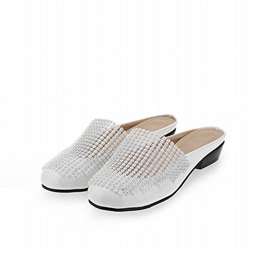 Carolbar Kvinnor Glänsande Strass Mode Charm Tillfälliga Låga Klack Sandaler Tofflor Vitt (patent Läder)