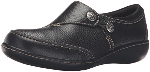 Clarks Womens Ashland Lane Q Slip On Loafer  Black  6 5 M Us