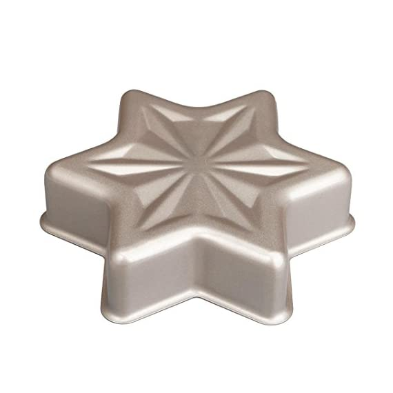 Gessppo Non-Stick Snowflake Shape Cake Mold Steel Pan Bun Bread Mould Kitchen Bakeware Resistant High Temperature, Reusable and Durable 6 ❤❤Quantity:1pc-----Material:Carbon Steel-----Size :21.2x21.2x5cm-----Color:gold-----Package Include:1pc cake mold ❤️❤️12 Cup Silicone Muffin - Cupcake Baking Pan / Non - Stick Silicone Mold / Dishwasher - Microwave Safe; 2Packs Silicone Mini Muffin Pan, Silicone Molds for Muffin Tins, Cupcake Baking Pan (Red);Ware Platinum Collection Heritage Bundt Pan ❤️❤️Reusable Silicone Baking Cups, Pack of 12; Silicone Cake Mold Magic Bake Snake-DIY Baking Mould Tool Design Your Pastry Dessert with Any Pan Shape, 4 PCS/lot Nonstick Flexible Reusable Easy to Use and Wash, Perfect Gift Idea for Your Love