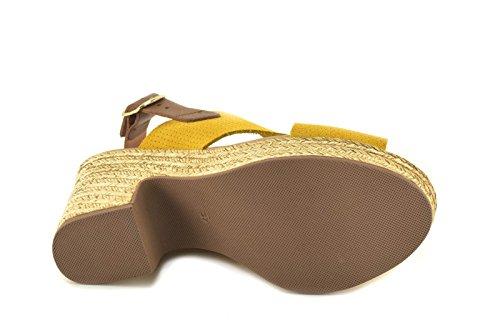 Sandalia by FIORDI - modelo 1604 - Sandalia de piel de Mujer con plataforma en color Amarillo, Rojo y Taupe Amarillo