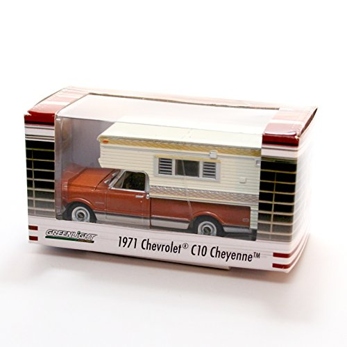 Big Body Chevys - 1971 CHEVROLET C10 CHEYENNE WITH LARGE CAMPER (Brown/White) * Hobby Exclusive * 2015 Greenlight Collectibles Limited Edition 1:64 Scale Die Cast Vehicle