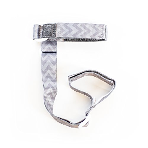 BooginHead BooginHead - SippiGrip Sippy Cup and Bottle Holder, High Chair and Car Seat Universal Attachment Strap - GoGo Chevron, Dark Gray and Light Gray